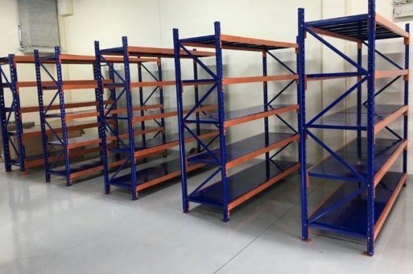 Kệ trung tải dùng làm kệ kho chứa linh kiện phụ kiện phù hợp với những loại có trọng tải khá năng, dưới 500kg / tầng